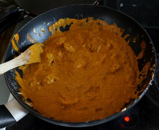 Étape 4 : ajouter la sauce et faire mijoter