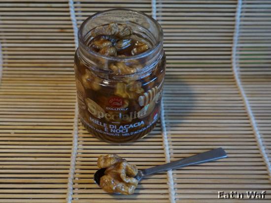 Miele di acacia e noci